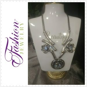 FASHION JEWLERY BIG & BOLD Necklace